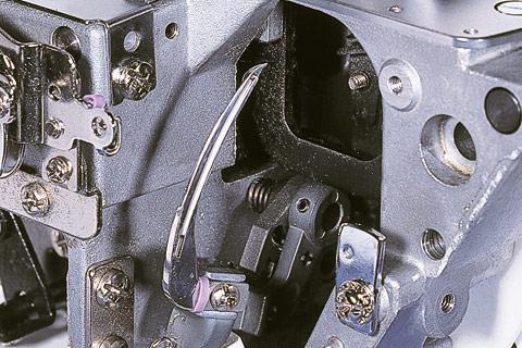 С системой непосредственной заправки ниток BERNINA Lay-In-System заправка машины нитками не вызовет затруднений.
